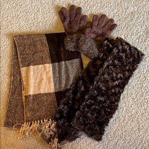 Scarves and gloves bundle